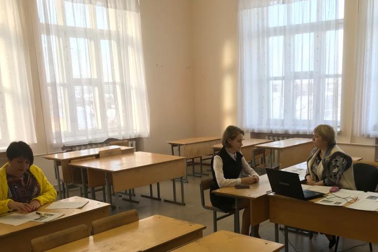 Девятиклассники Ленинградской области показывают свои знания на итоговом собеседовании по русскому языку