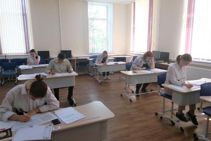 Девятиклассники региона пишут контрольные работы